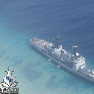 菲律宾最大主战舰艇在半月礁搁浅 丧失...