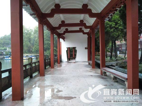 陵园内的回廊基本修葺完毕。(宜宾新闻网 刘佳 摄)